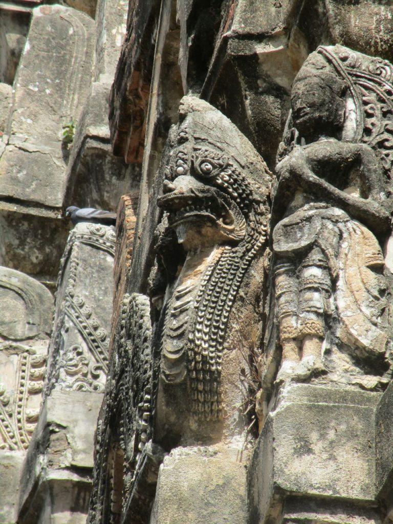 สันติสุขภายในสุโขทัย – S̄ạntis̄uk̄h p̣hāynı s̄uk̄hothạy – Innere Ruhe in Sukhothai